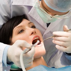 Dentist working with medical malpractice insurance